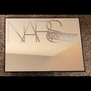 Narsissist Cheek Palette